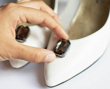 decorar zapatos con piedras