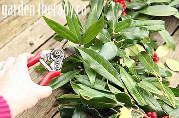 como-hacer-corona-de-navidad-decorativa-4