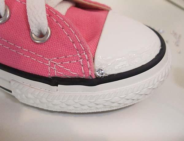 como-decorar-con-estras-unas-zapatillas-de-deporte
