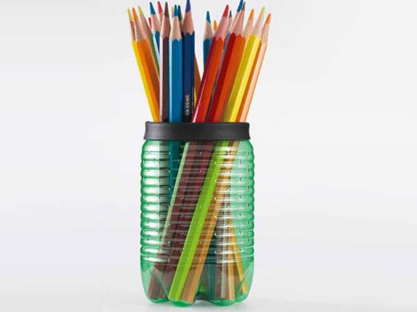 lapicero-con-botellas-recicladas